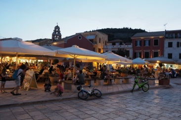 A typical evening in Gaios